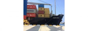 781 contenedores con productos arriban al Puerto de La Guaira