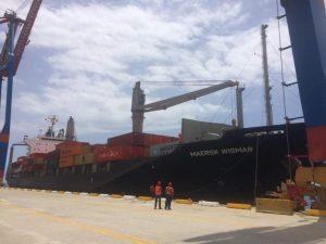 130 contenedores con alimentos, medicinas y artículos de higiene arriban al Puerto de La Guaira