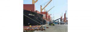 Descargan 130 contenedores de alimentos y medicinas en el terminal portuario de Puerto Cabello