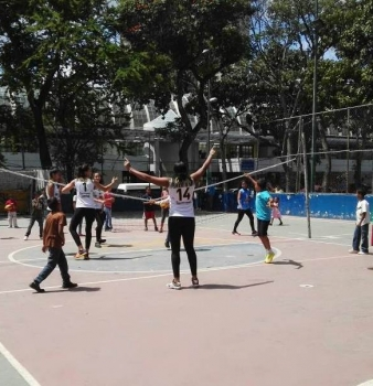 Corpovex ofrece clínica deportiva de voleibol a niños del Distrito Capital